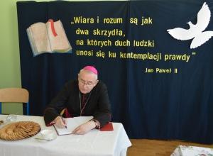 SP_94_Warszawa_wizyta biskupa-19